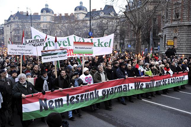 20120123-budapest-bekemenet-magyarorszagert-demonstracio-resztvevoi7